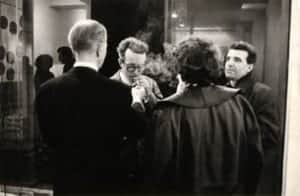 Marcel Barbeau et Fernand Leduc au vernissage de l'exposition Barbeau chez Iris Clert, Paris, 18 mars 1964. André Morain pour Marcel Barbeau.