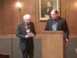 Marcel Barbeau et Mario Beaulieu à la remise du prix Louis-Philippe-Hébert  à la maison Ludger Duvernay . 23 mai 2013.