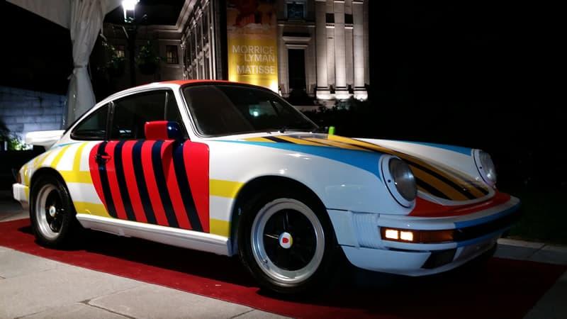 Porsche 911 dont le concept de la peinture a été réalisé par Marcel Barbeau et exécuté par Yves Thibault (spécialiste en peinture de carrosseries)  dans le cadre du Art Car Project initié par Monsieur Alain Authier. Photo : Art Car Project (http://www.artcarsproject.com/)